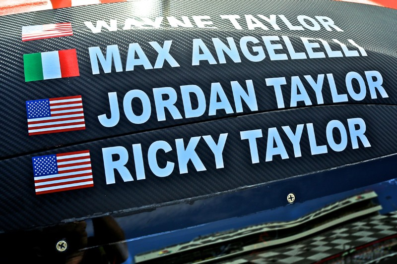 USCC: 24 Hours of Daytona - 8 hrs in; Taylors lead, Tandy tops in GTLM
